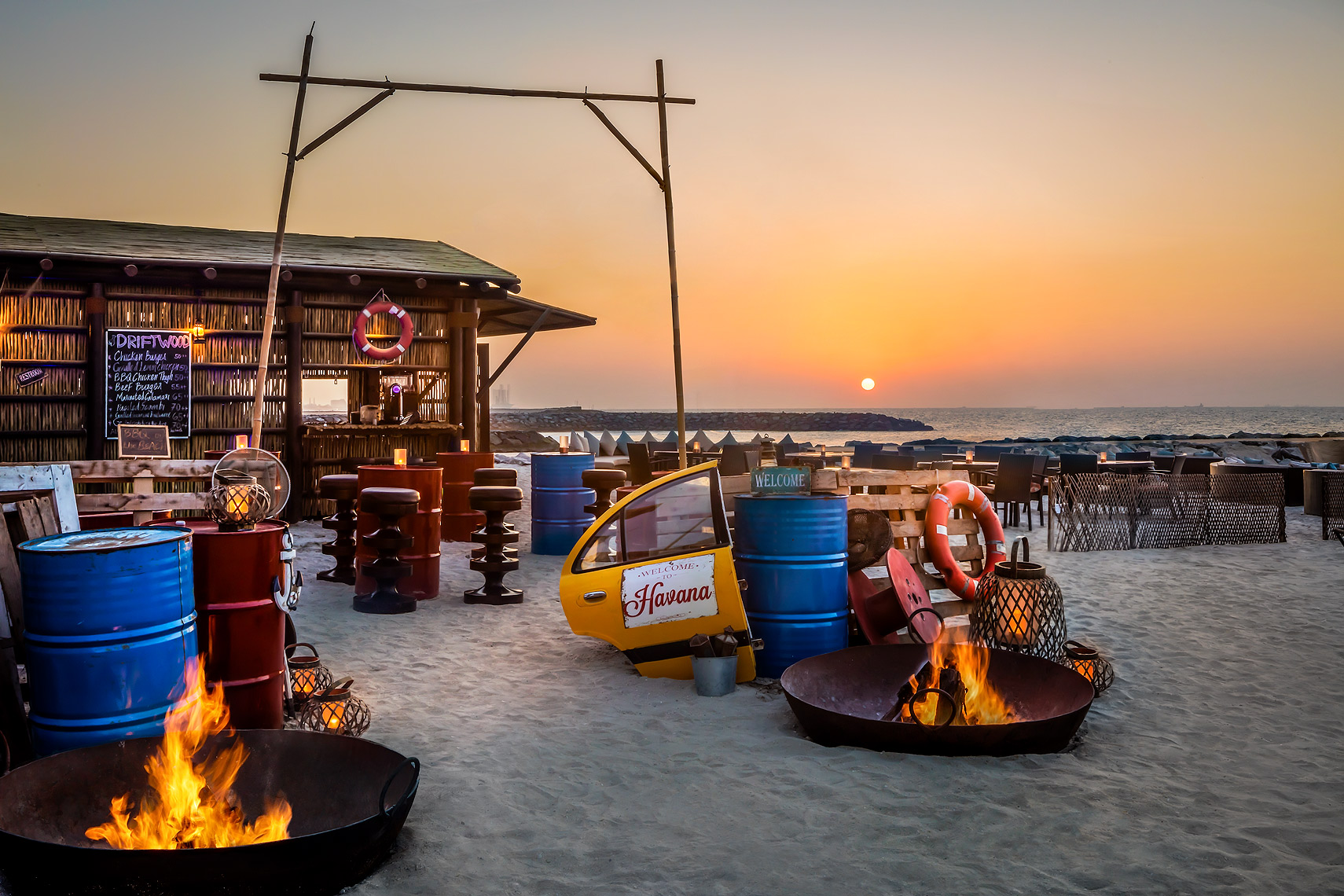 Fairmont_Ajman_Hotel_Beach_Bar - Luxury Hotel Photography