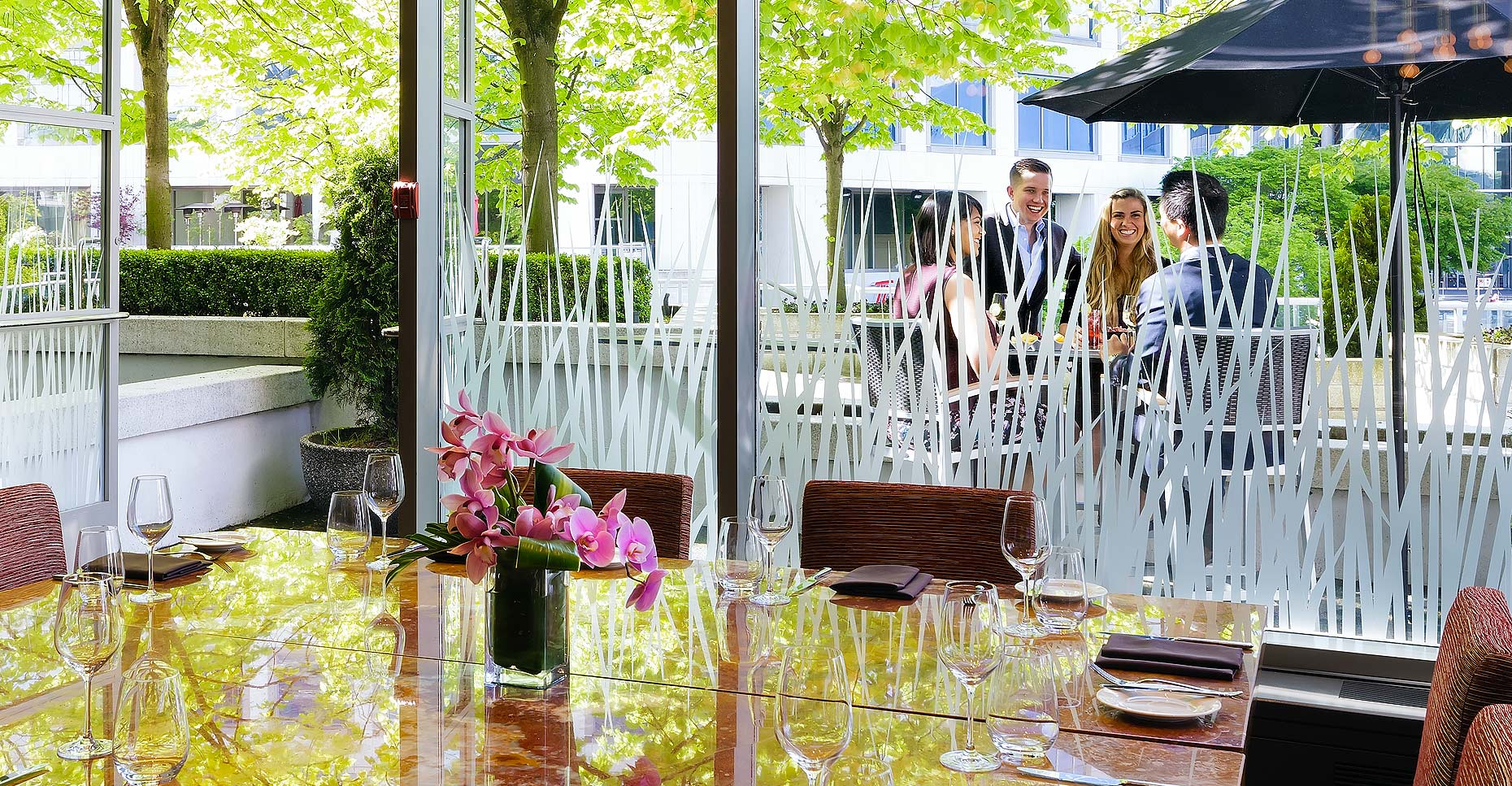 Fairmont_Waterfront_Outdoor_Dining