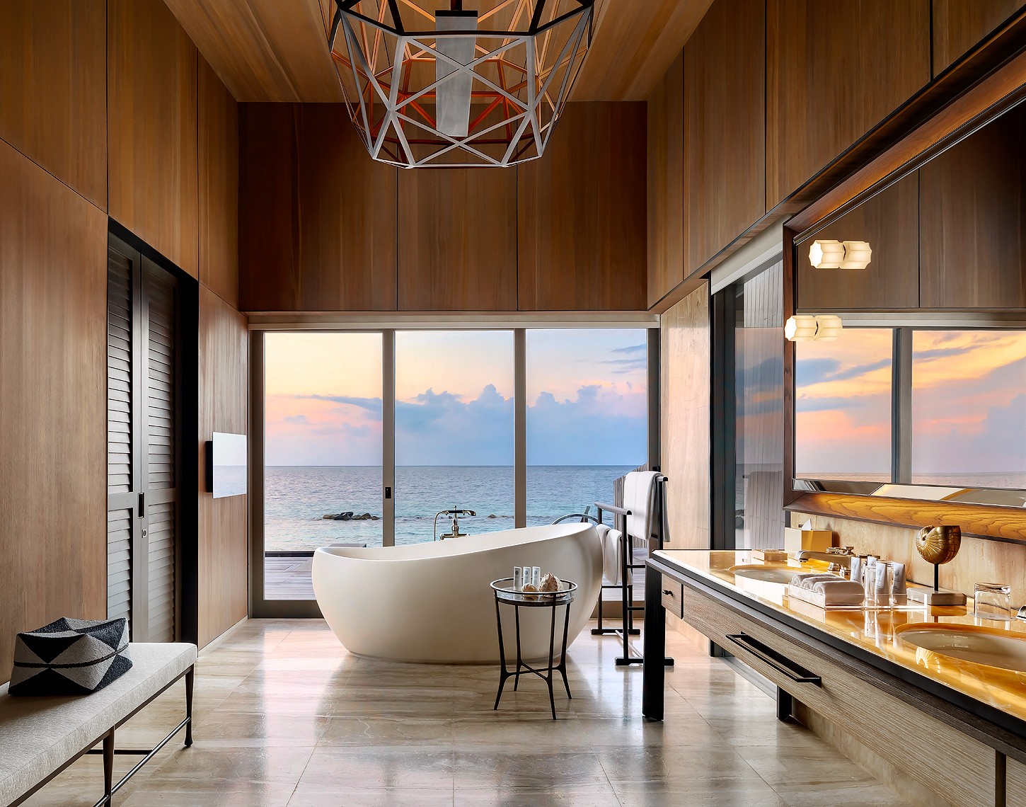 St Regis Maldives Resort, John Jacob Astor Estate Bathroom