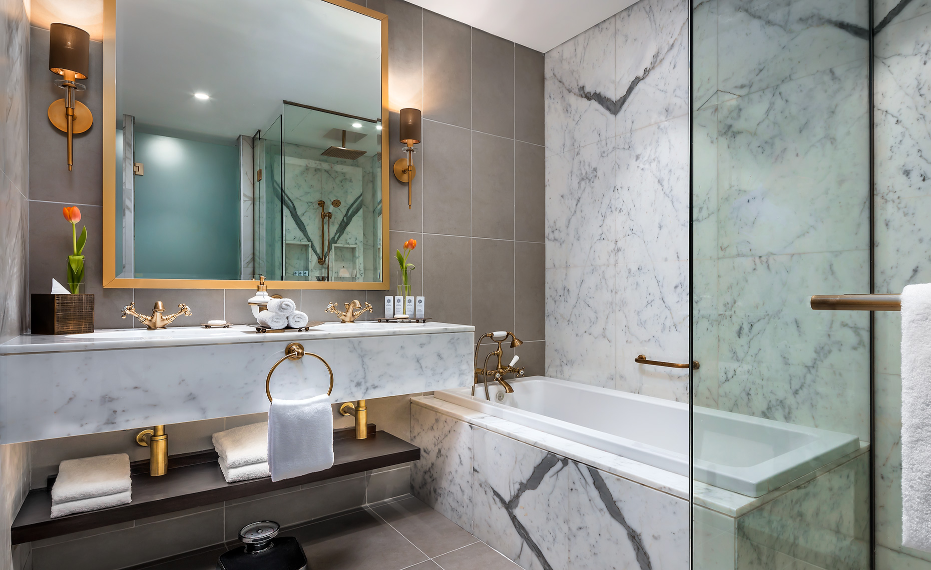 St. Regis Polo Club Hotel Dubai Bathroom - Hotel Photography