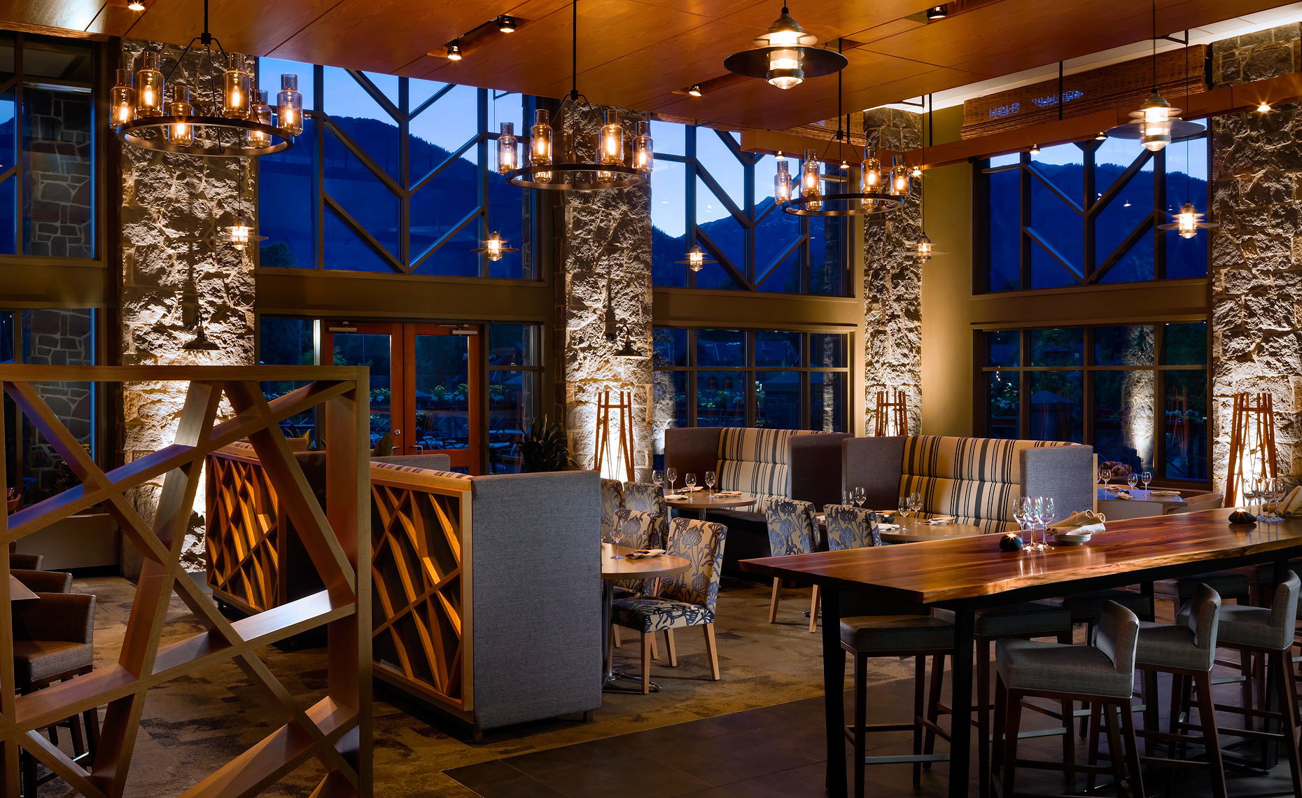 Westin_Whistler_Grill_and_Vine_Restaurant - Restaurant Photography